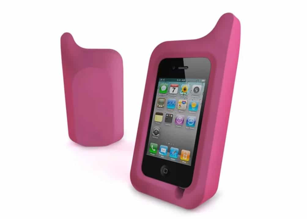 To use an iPhone case or not