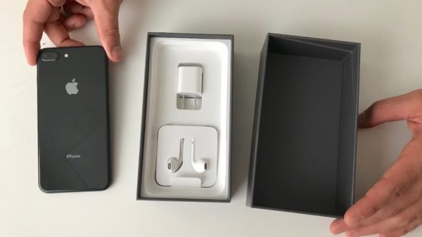 iPhone 8 unlocked with accessories